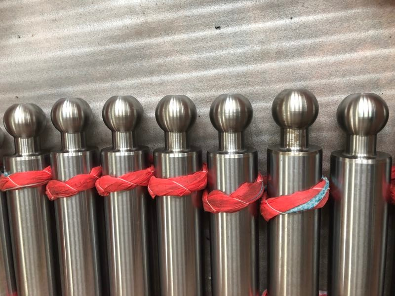 Lagerung von Kolbenstangen für Hydraulikzylinder