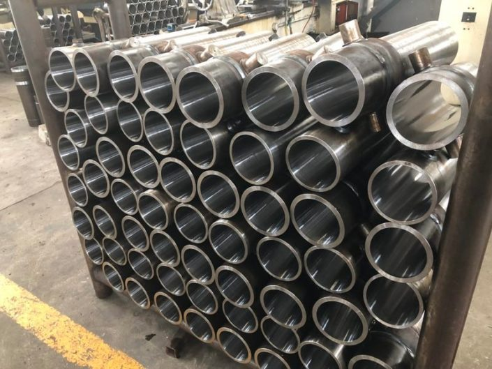 Housings for hydraulic cylinders